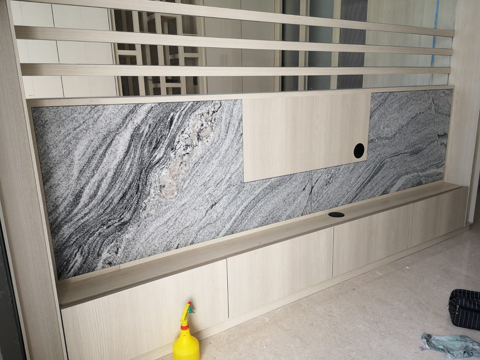 TV Feature Wall, 2600L x 600H, Blanco Vis Granite, Leather (2)